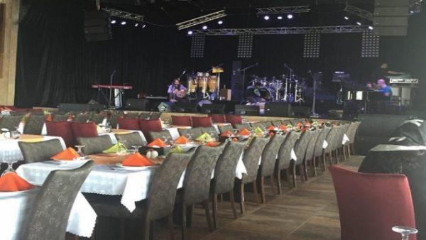 رستوران شاندیز صفدری ساحلی کیش