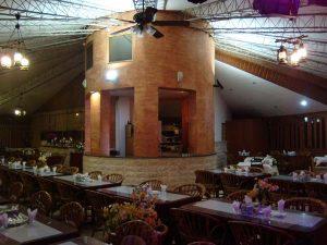رستوران شاندیز آبشار کیش